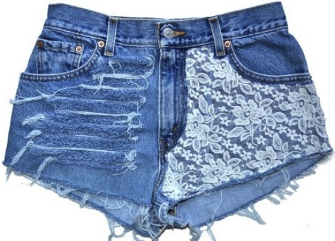 570687-Shorts-customizados-com-renda-passo-a-passo-1